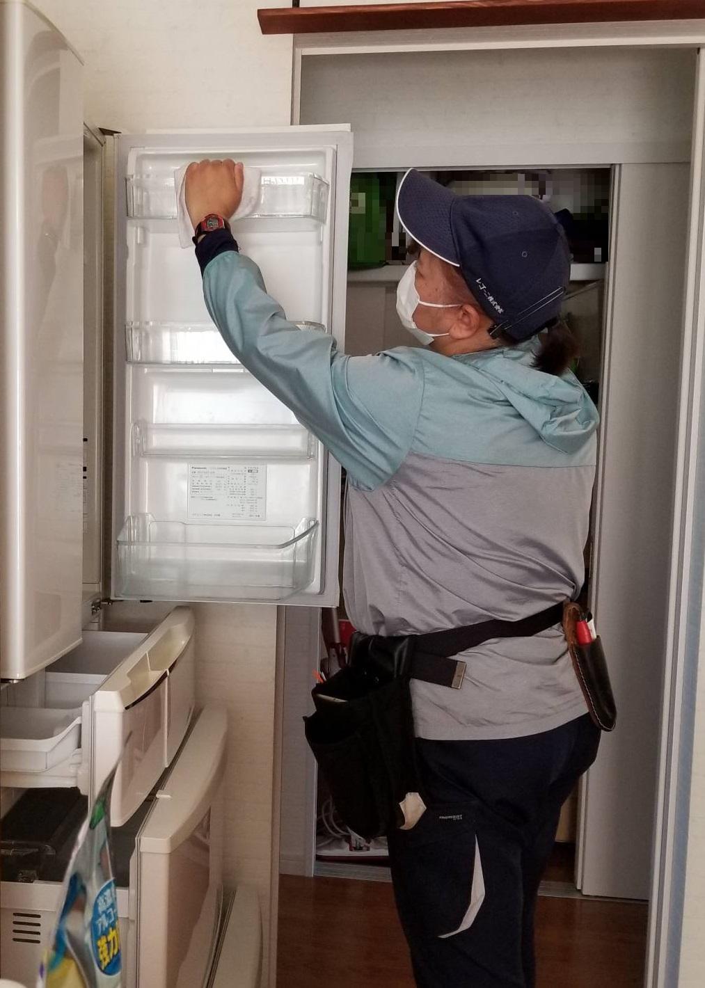 リクエスト作業 冷蔵庫内の清掃 (2)