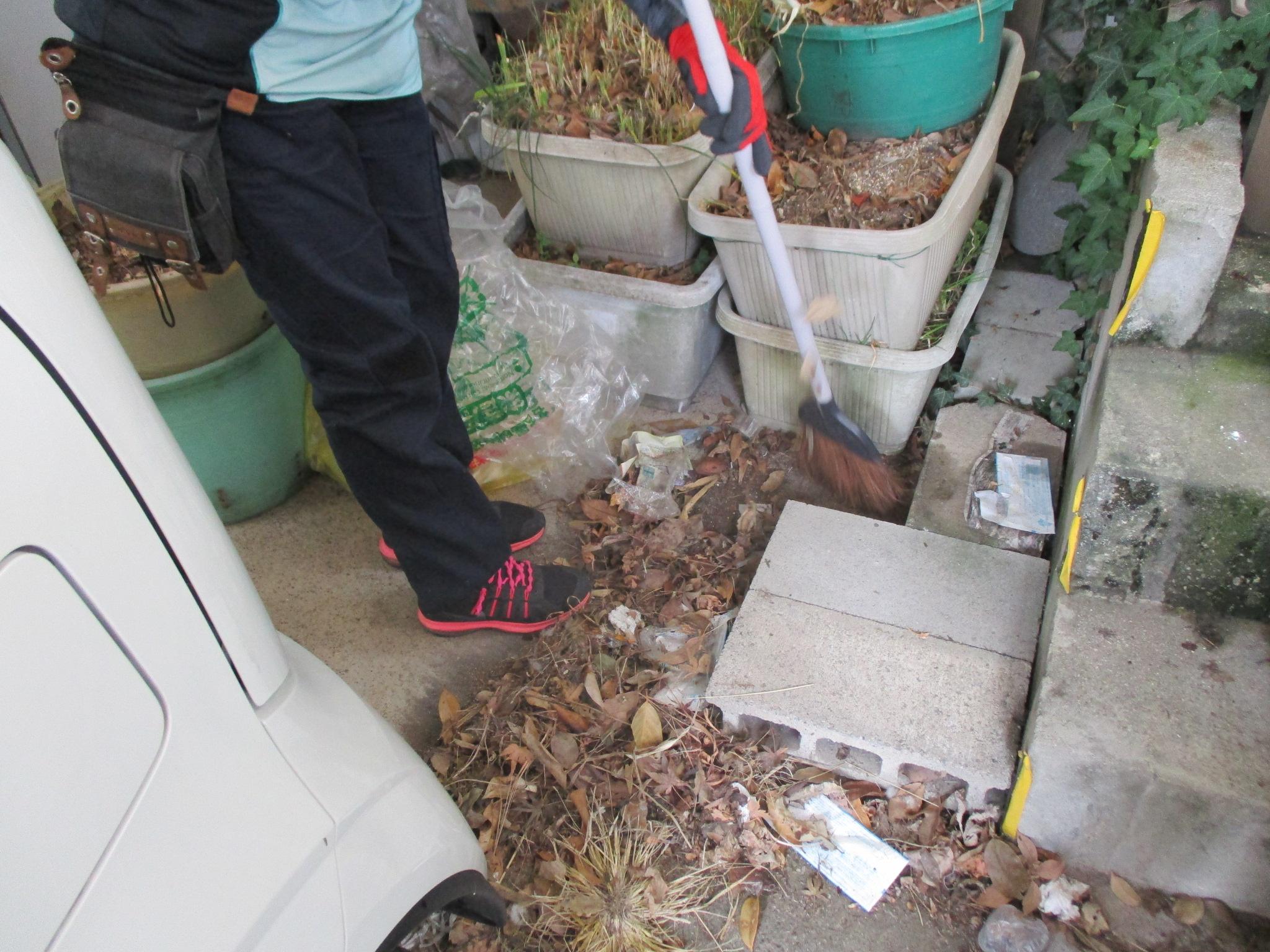 落ち葉 清掃 ゴミ