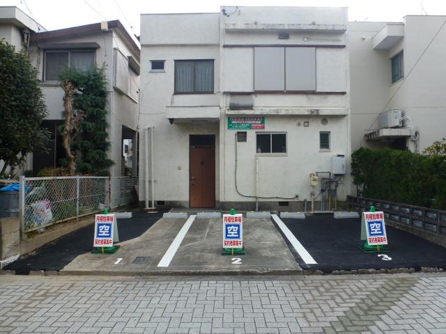 整備後 3台分の駐車スペースが生まれました。